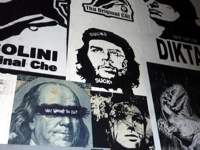 P1030413-2010-08-14-Living-Walls-Opening-EyeDrum--Che-Sucks