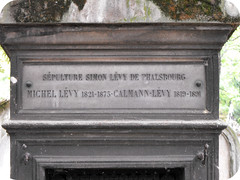 Partial View on Tomb of Famille Levy (S. Ruehlow) Tags: friedhof paris france cemetery tomb grab prelachaise cimetire cimetireduprelachaise grabanlage partialview michellevy kalmusditcalmannlevy calmannlevy
