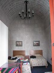 2010-4-peru-109-arequipa-hotel inside