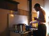 cucinare con la luce frontale