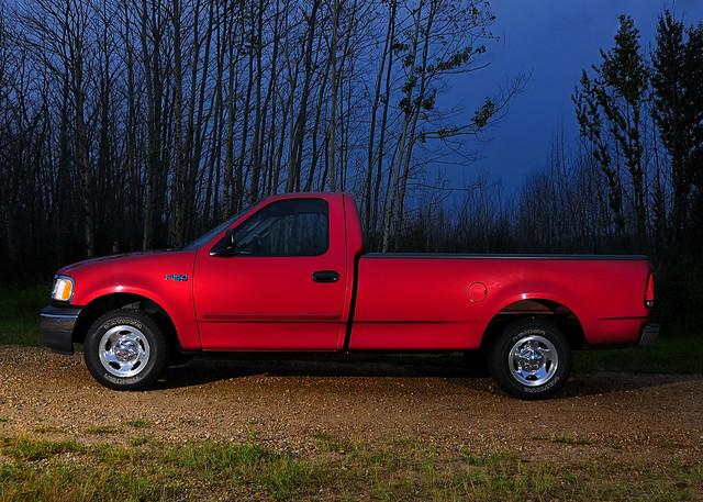road 2001 light red ford night truck nikon ride dusk flash country wheels pickup pickuptruck f150 01 dirtroad xl redtruck fordf150 fadinglight longbox strobs sb900 f150xl regularcab d300s nikond300s afsnikkor1820013556ged notsocoolride