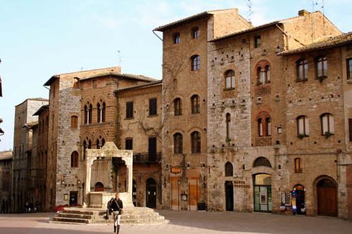 San Gimignano - piazzadellacisterna