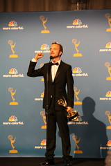 Aaron Paul wins Emmy for OUTSTANDING SUPPORTING ACTOR IN A DRAMA SERIES in AMC's 'Breaking Bad' (djtomdog) Tags: television losangeles tv amc emmys nokialive tvjunkie aaronpaul breakingbad thomasattilalewis jessepinkman thetvjunkie primetimeemmy