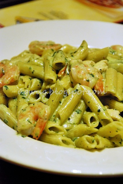 Creamy Pesto Penne with Chicken & Prawns