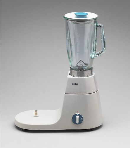 COUNTER SPACE BRAUN ELECTRIC MIXER