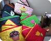 Costurando costurando ... (Joana Joaninha) Tags: bag cupcake bolsa necessarie póa joanajoaninha hellennilce