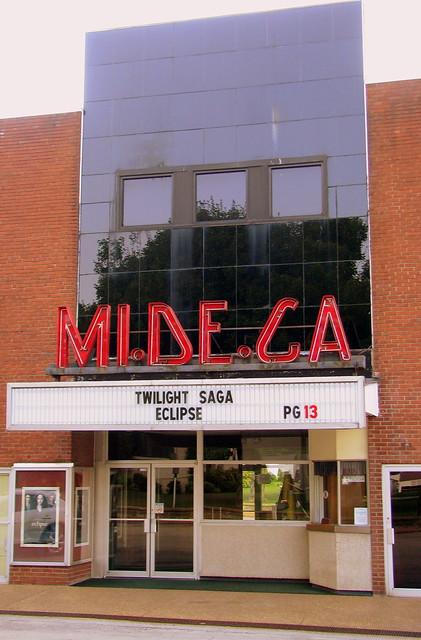 MI.DE.GA Theater - Waverly, TN