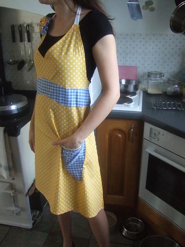 vintage apron number three:side
