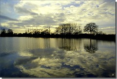 ... (kate053(absente)) Tags: lumire lac nuages reflets mayenne digitalcameraclub naturepoetry 100commentgroup