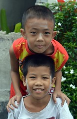 brothers (the foreign photographer - ฝรั่งถ่) Tags: jul192015nikon two brothers vertical pose khlong thanon nikon d3200