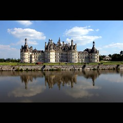 Chteau de Chambord (JannaPham) Tags: trip travel blue summer sky holiday france reflection castle architecture canon de landscape eos valley 5d chambord loire chteau markii chteaudechambord jannapham
