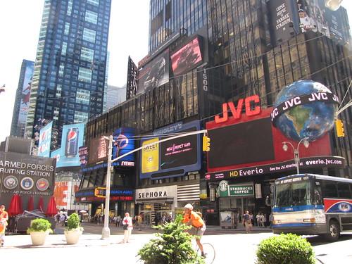 NYCJun10-TimesSquare_019