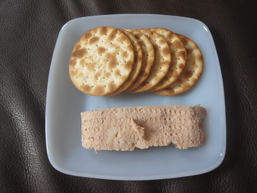 pâté and crakers