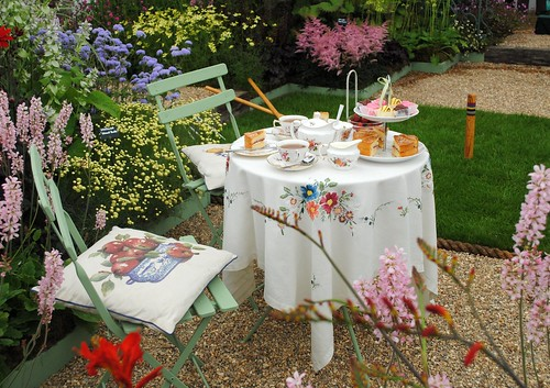 Tea & cakes in the Garden