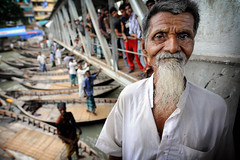 Boat Man (Leonid Plotkin) Tags: man port river boat asia ship dhaka bangladesh boatman sadarghat buriganga