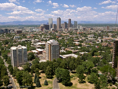 Cheesman Park & Denver Skyline (scottdunn) Tags: park skyline colorado downtown aerialview denver aerial rockymountains kap kiteaerialphotography urbanskyline cheesmanpark fotografiaareacompipa gx200 photographiearienneparcerfvolant photoparcerfvolant fesseldrachenluftbildfotografie fotografiaerei