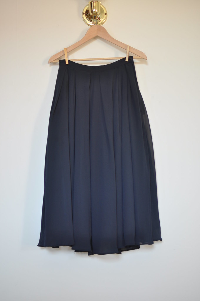 H&M chiffon long navy skirt