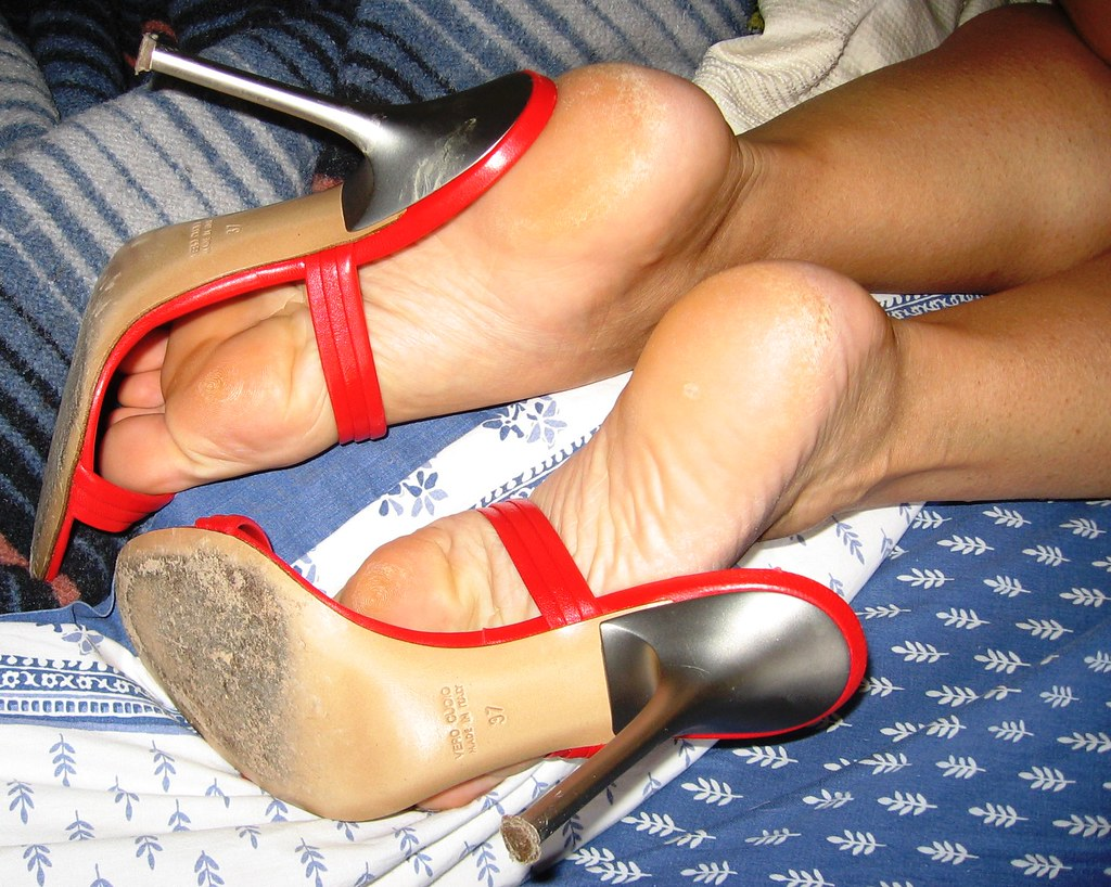 Smelly latina wrinkled soles 10