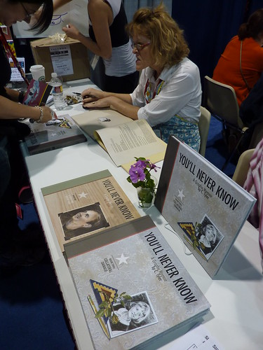 Carol Tyler - Fantagraphics at Comic-Con 2010