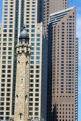 Old & New (jclegill) Tags: chicago architecturaldetail oldnew skyscapers enjoyillinois