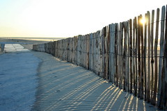 Beach (Ivo de Graaf) Tags: light sun beach strand licht schaduw zon