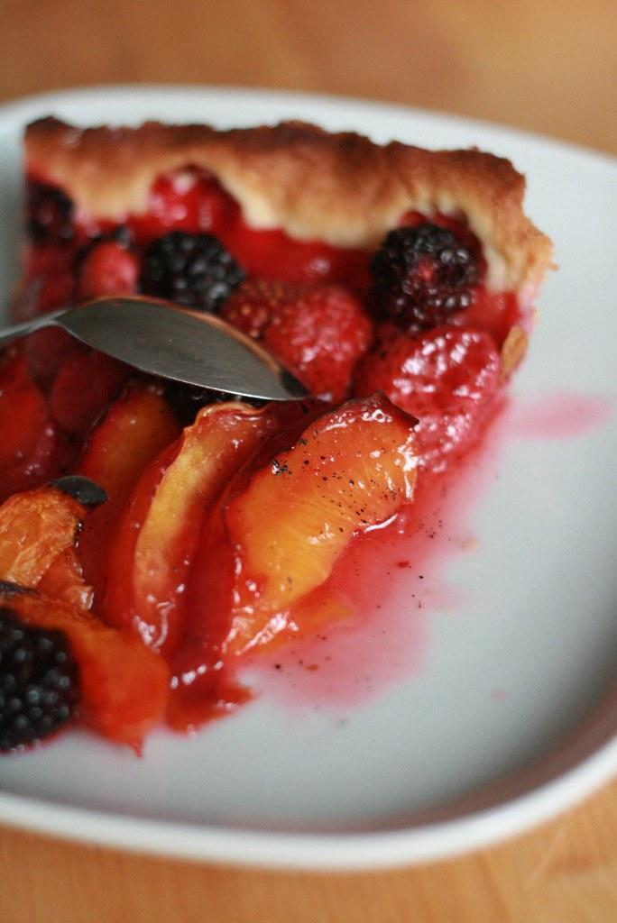 Tarte aux fruits & sirop au Cointreau