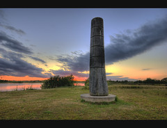 The Trent Valley Noon Column (Bs0u10e0) Tags: uk sunset summer england sculpture lake june oak britain dusk lakes naturereserve wetlands staffordshire hdr wetland 2010 midlands sigma1020mm woodsculpture photomatix floodmarker davidnash trentvalley englishoak nikond80 nooncolumn croxall croxalllakes lichfielddistrict june2010 summer2010 croxalllakesnaturereserve 527280961720529 trentvalleynooncolumn landshapesproject