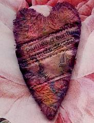 """Give me your heart !"" © (Framboisine Berry) Tags: art word mixed berry media artist broche sewing brooch jewelry bijou badge écriture jewel mot accessory framboisine"