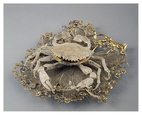 006-Caja en forma de cangrejo sobre soporte en forma de hoja-Plata con filigrana y dorado- China. Mediados del siglo 18-Copyright ©2003 State Hermitage Museum