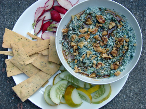 Spinach-Yogurt Dip with Pomegranate and Walnuts
