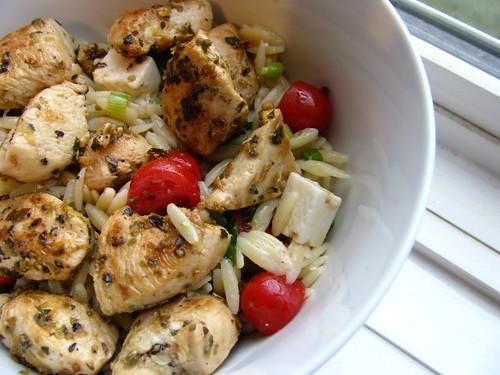 Greek Chicken Orzo Salad - Ceci n'est pas un food blog