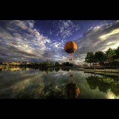 D I S N E L A N D (T A Y S E R) Tags: bravo disneyland baloon ksc hdr tayseer 1424 niokn superlativas alhamad tayseeralhamad