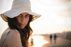 The Eyes of Summer (Federica Mu ) Tags: sunset sea summer girl hat 50mm bokeh francesca occhi sguardo spiaggia cappello f32