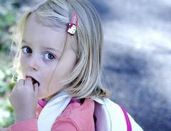 Green sugar * (Borbuletachiara) Tags: verde portraits children rosa occhi sguardo ritratti leti bellezza bimbi ninos nipoti