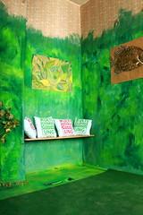KultiWIRung: Das Seitenhaus präsentiert sich den Besucher_innen. Die Oase im Seitenhaus. KultiWIRungskissen zum Kaufen und kuscheln!
