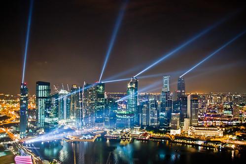[フリー画像] 建築・建造物, 都市・街, 高層ビル, 夜景, シンガポール, 201008140100