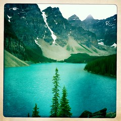 Morraine Lake (Cultkid) Tags: blue lake mountains azure peak glacier valleyofthetenpeaks morrainelake