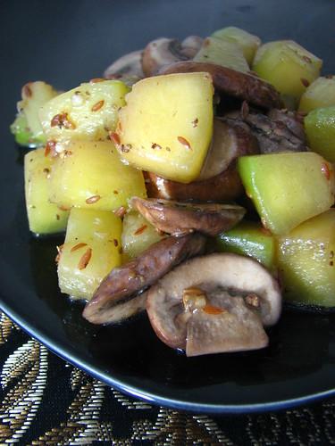 Spicy Zucchini and Mushroom Saute