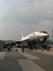 NEW YORK - Intrepid, Concorde (foto_quindi_sono) Tags: sea usa newyork skyline america concorde intrepid britishairways bigapple airspacemuseum statiuniti grattacieli skycreeper