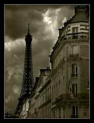 889 Paris