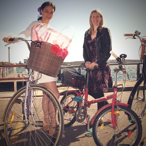cycle chic sundays - to market