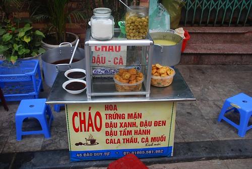 Chao dau phu va trung muoi stand