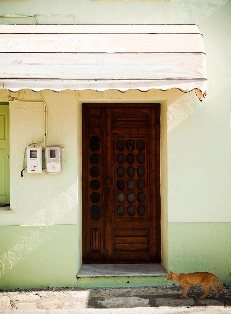 Greek shop w cat 2010