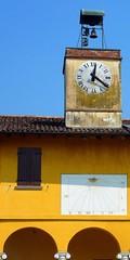 Verolavecchia - Monticelli d'Oglio (Bs) (Marsala Florio) Tags: italia sundial brescia lombardia meridiana italt verolavecchia mycameraneverlies monticellidoglio
