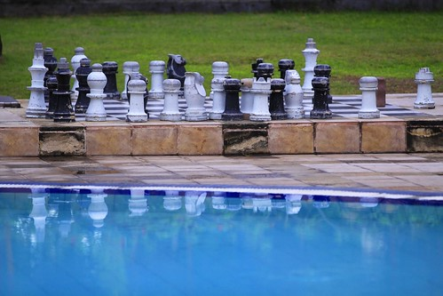 Poolside Chess