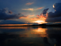 painting (~janne) Tags: sun berlin water colors clouds natur himmel wolken olympus sonne reflexion spiegelung janne tegel sundawn janusz tegelersee explored ziob
