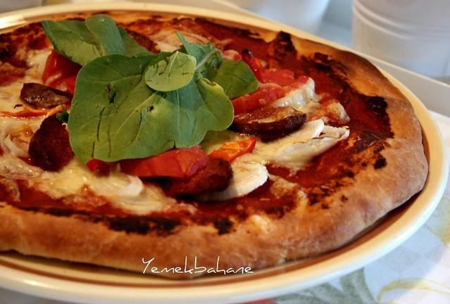 Soğanlı Çıtır Pizza