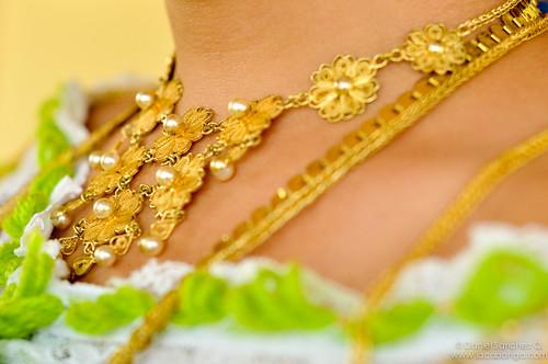 La pollera panameña, arte en manos de costureras