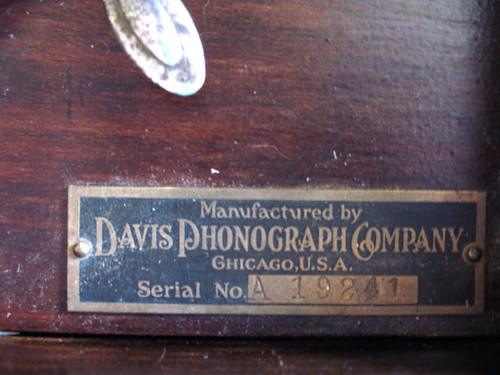 Dusty manufacturer's label