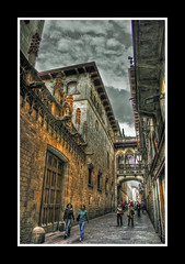 Barcelona Cathedral (Asi75er) Tags: barcelona city travel art night clouds photoshop canon eos europe bcn elements nubes catalunya hdr cataluña photoshopelements 400d canoneos400d flickrstruereflection1